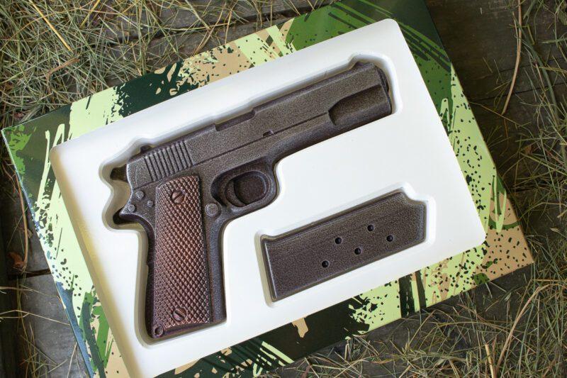 Шоколадный пистолет Кольт