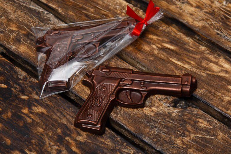 Шоколадная фигурка Пистолет